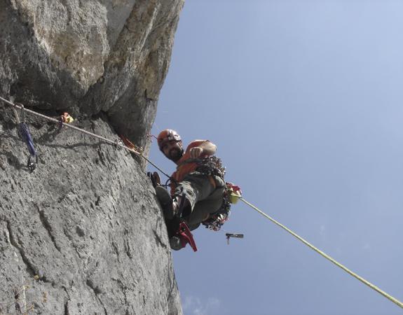 Curso de escalada artificial
