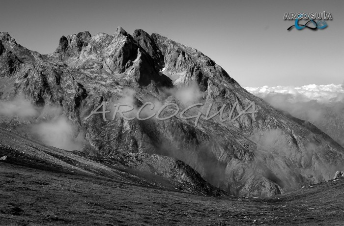 TORRE CERREDO (La cima más alta de Picos de Europa)