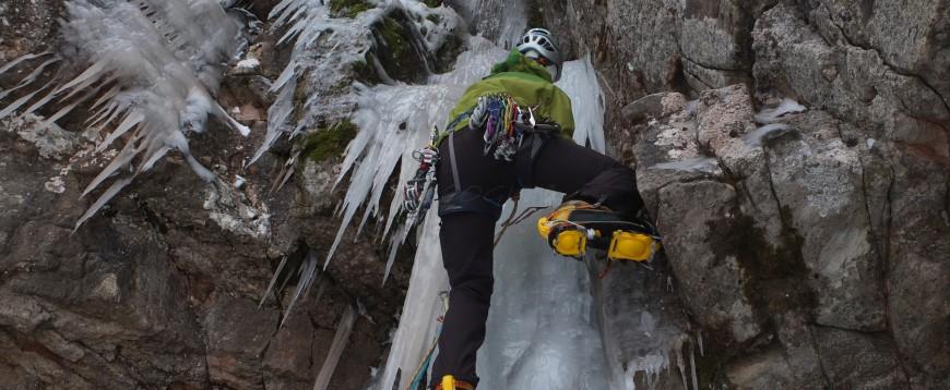 Video Escalada en hielo en Valdecebollas, Palencia