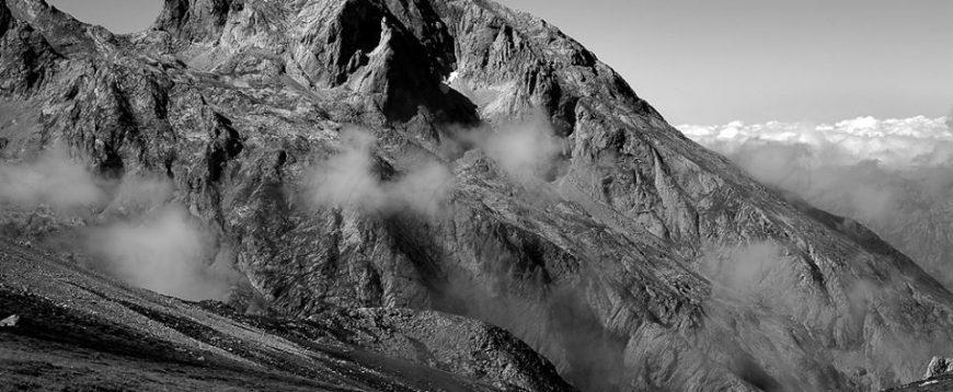 """""""Puerta de Atras"""", Neveron del Albo, Picos de Europa"""
