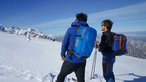 """Esqui de montaña Picos de Europa . """"Ortovox""""""""UIAGM"""""""