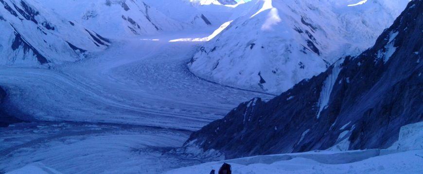 Khan-Tengri (7010m), Tian-Shan