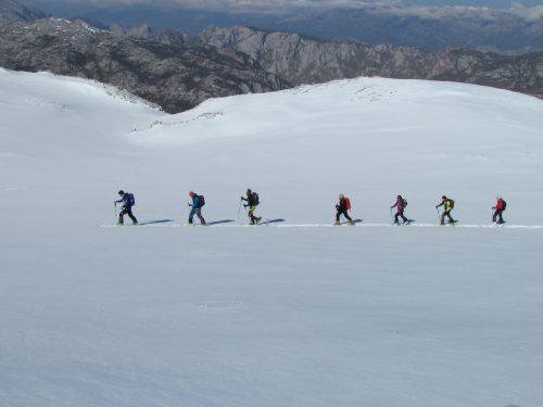 Esqui de montaña, esqui de travesia en Picos de Europa, uiagm uifma